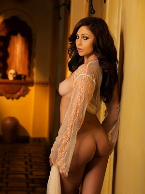 Ariana Marie looking extremely sexy as she poses in her lingerie and perfect body.
